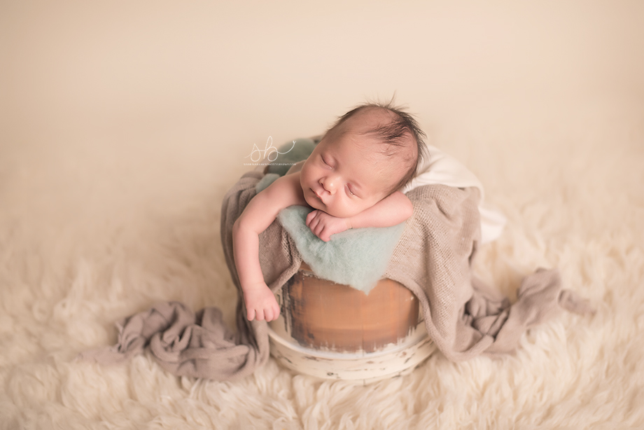 Aurora, CO Newborn Photographer